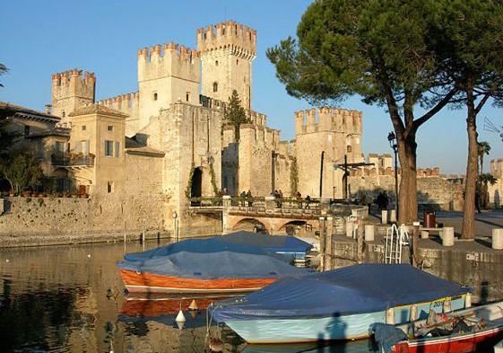 Chateau-Sirmione_lac-de-garde_561px