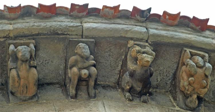 Art érotique médiéval, Colegiata de San Pedro de Cervatos, Cantabrie