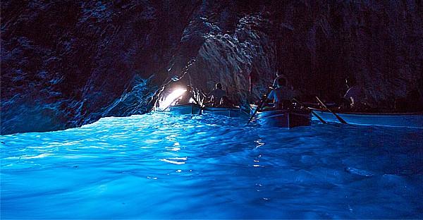 mer s'allume - Blue grotto
