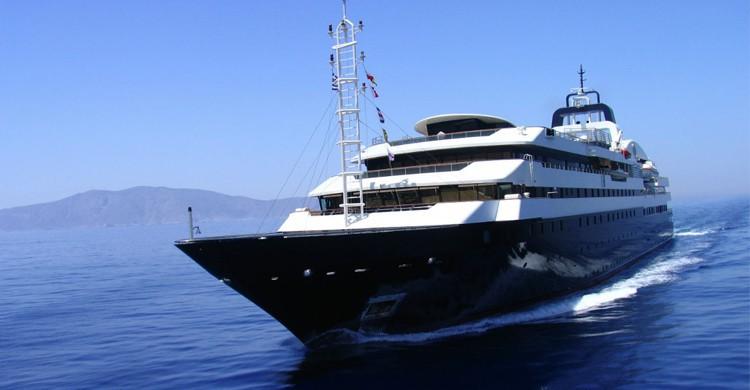 yacht Turama