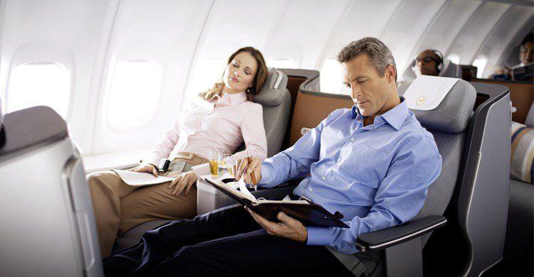 Dormir en avion - lematelas.com