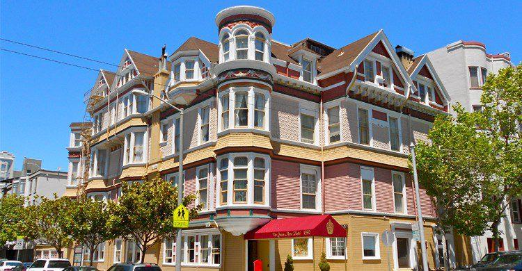 The Queen Anne Hotel - wikimedia