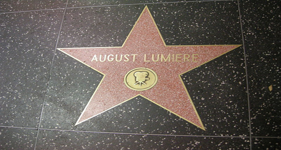 800px-Walk_of_fame,_august_lumiere