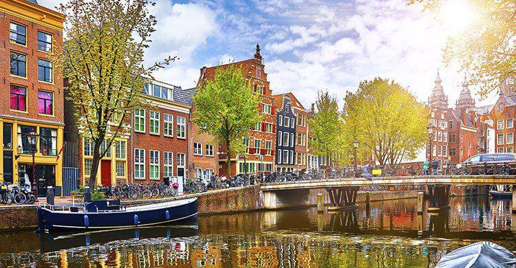 Vue sur les canaux d'Amsterdam (Istock)