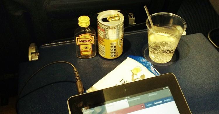 Boire en avion - flickr