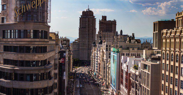 Gran vía, Madrid (Daniel Alvarez Sanchez Diaz - Unsplah)
