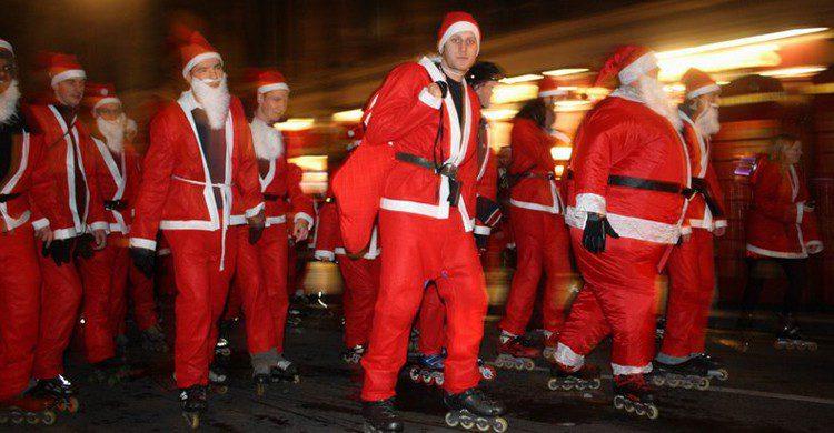 Christmas Roller - caracaschronicles