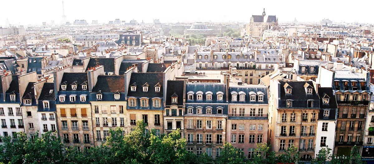 Paris Paris n'est pas le premier marché d'Airbnb pour rien ! La capitale recèle de locations particulièrement classes comme ce loft du 10ème arrondissement. Un ancien site industriel réhabilité en logement clair, spacieux, moderne et ultra confortable. Un loft qui permet d'accueillir jusqu'à 11 personnes en plein Paris.