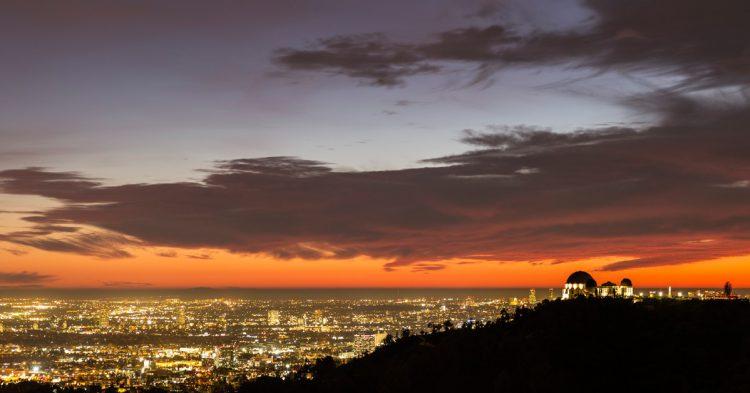Coucher de Soleil sur Griffith Observatory, Los Ageles (Istock)