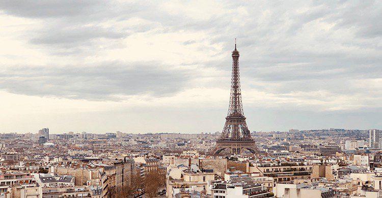 La Tour Eiffel et les toits de Paris