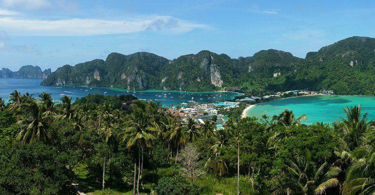 Vue aérienne de l'île thaïlandaise de Ko Phi Phi Le